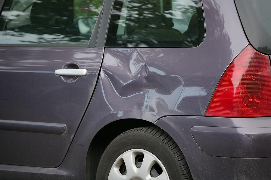 Minor Accident Damages: Don't Wait to Bring Your Car in